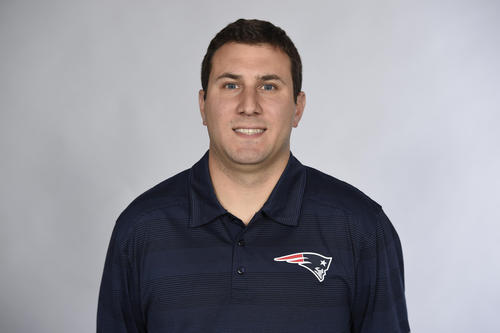 Pats promovem Nick Caley como coach de Tight Ends