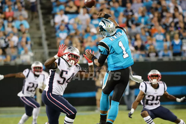 Cam Newton Panthers Defesa Hightower Patriots