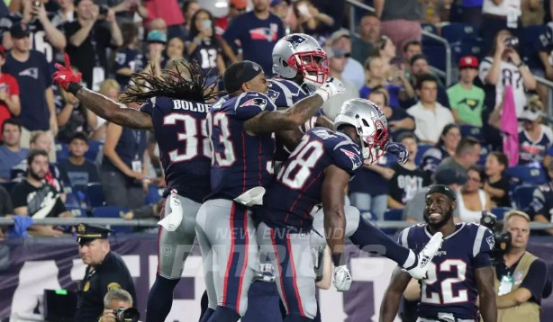 James White Running Backs Patriots Screen pass