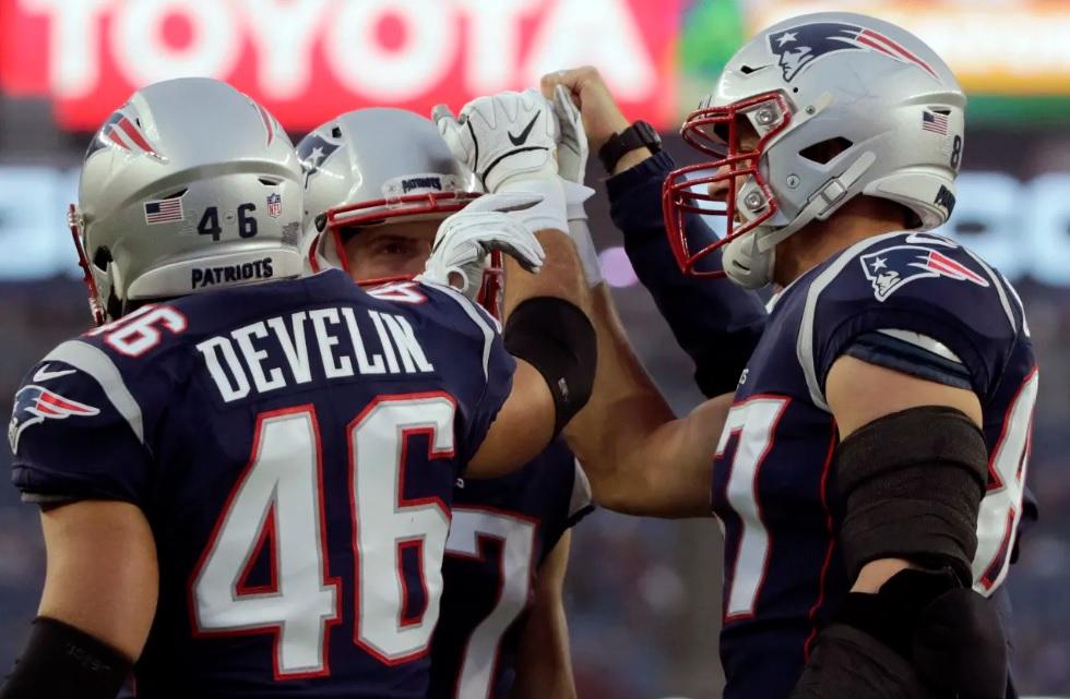 Patriots James Develin