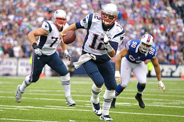 Brady atinge 1000 jardas terrestres