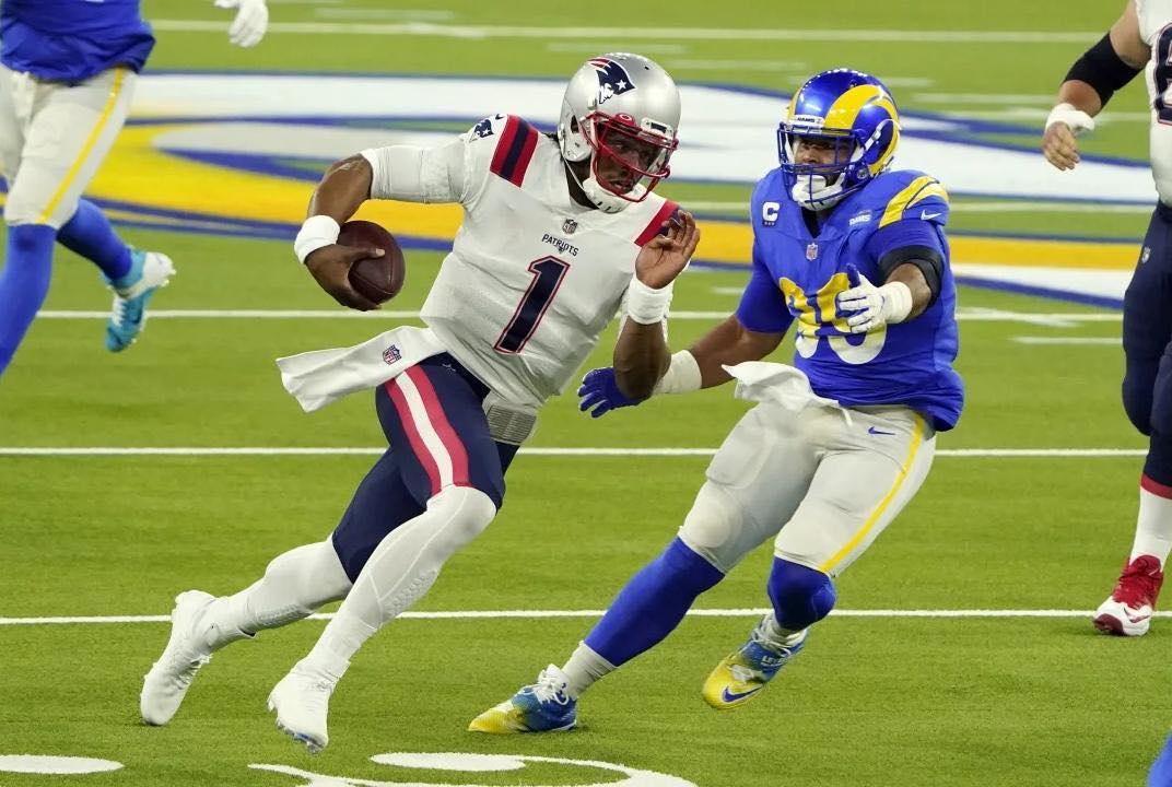 Com inúmeras dificuldades do ataque, Patriots são derrotados pelos Rams